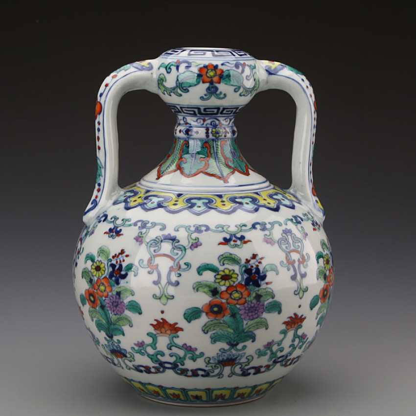 Chinese doucai porcelain Bottle with Yongzheng Mark - photo 1