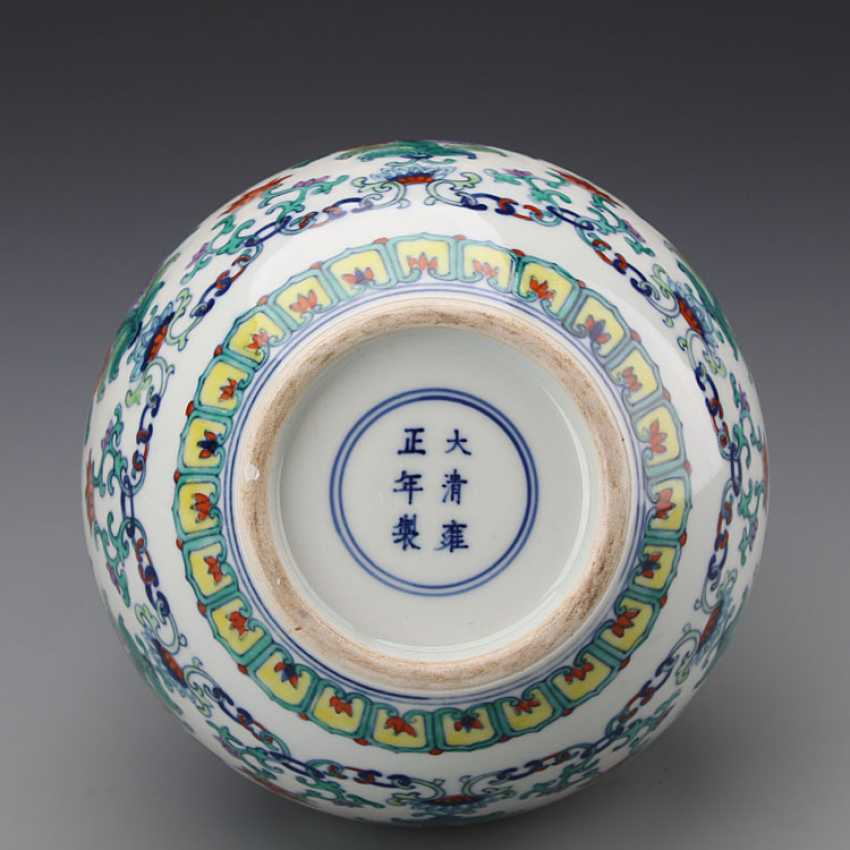 Chinese doucai porcelain Bottle with Yongzheng Mark - photo 3
