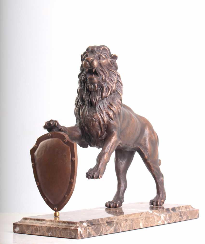 Viachaslau Lyshchyk. Sculpture Lion - photo 1