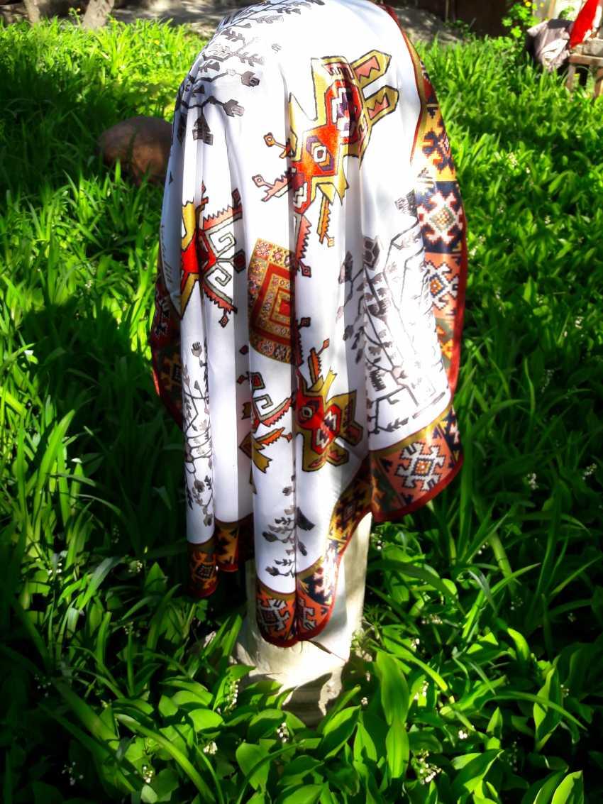 Natalia Vavilina. Author's shawl. Auteur d'un mouchoir - photo 1