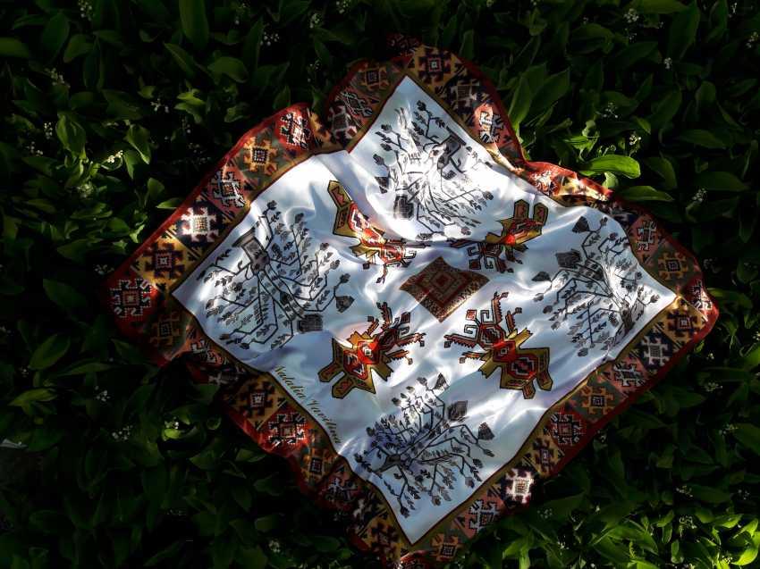 Natalia Vavilina. Author's shawl. Auteur d'un mouchoir - photo 3