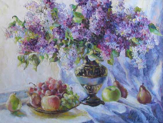 Irina Kruglova. A bouquet of lilacs on the window - photo 1
