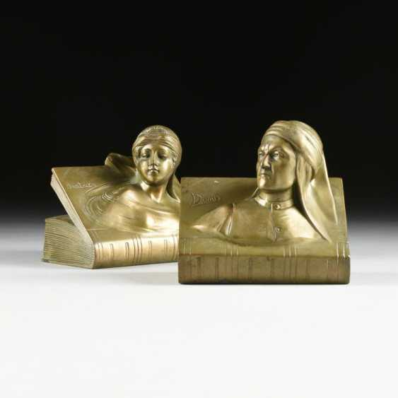 Bookends - photo 1