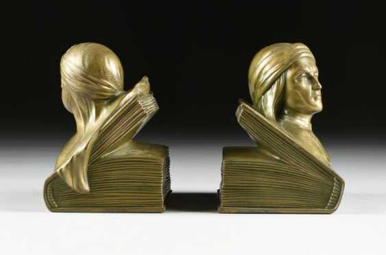 Bookends - photo 2