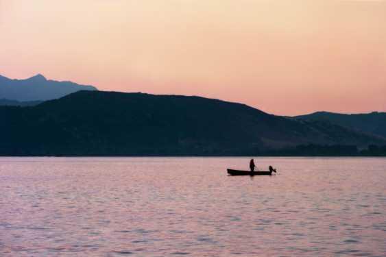 """Adam Kypriadis. """"Sonnenaufgang in einem See"""", Gedreht auf 35mm-film - Foto 1"""