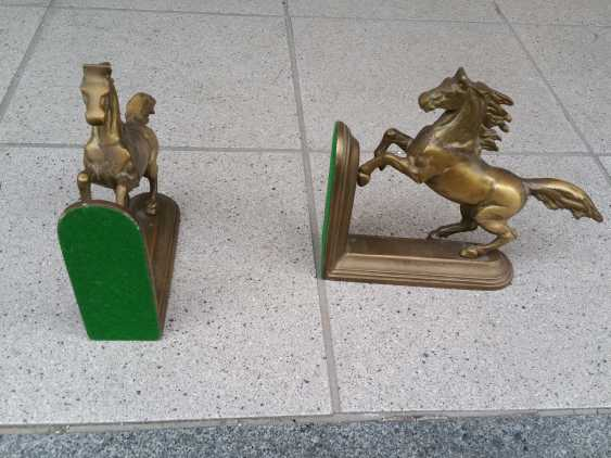 Lukas Erzroll. Two Horses Figures - photo 2