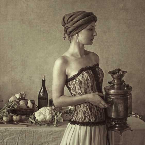 Igor B. Glik. Woman with samovar - photo 1
