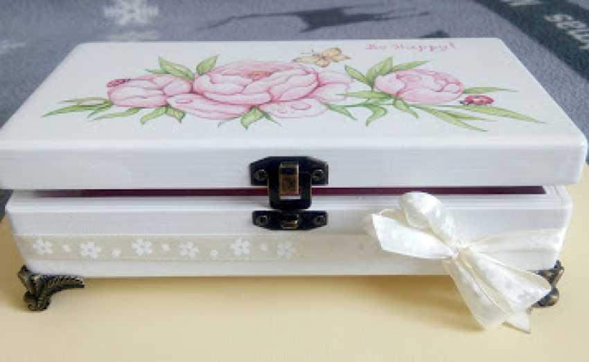 "Irina Nevshupa. The box with the painting ""Peonies"" - photo 1"