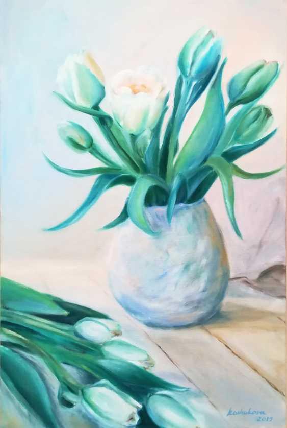 Ekaterina Koshukova. White tulips - photo 1