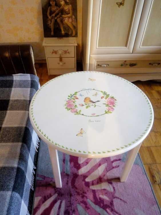 Irina Nevshupa. Coffee table with painting (solid alder) - photo 6