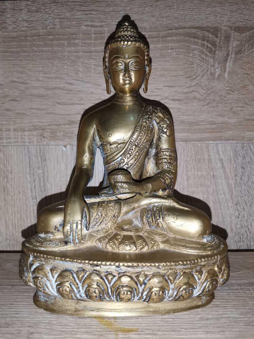 Antique bronze Buddha Statue - photo 1