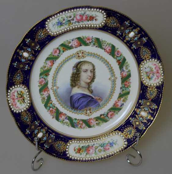 Plate a Sevres Portrait of Ninon de Lenclos - photo 1