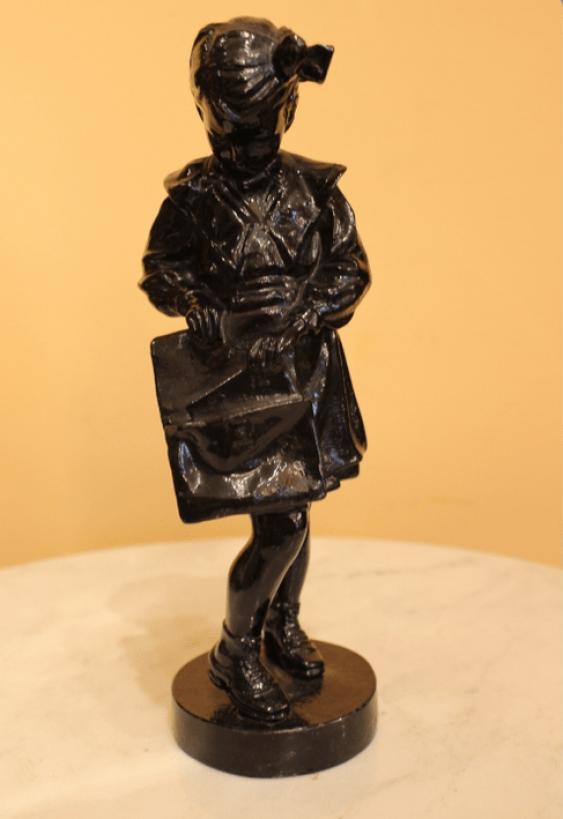 "Figurine ""Schoolgirl"" - photo 1"