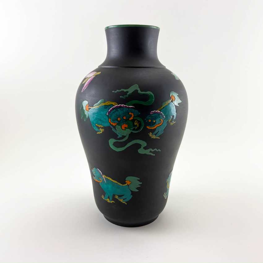 Rare Wedgwood vase with enamel, collection Kenlock Ware, England, 19th century biscuit porcelain, Wedgwood - photo 2