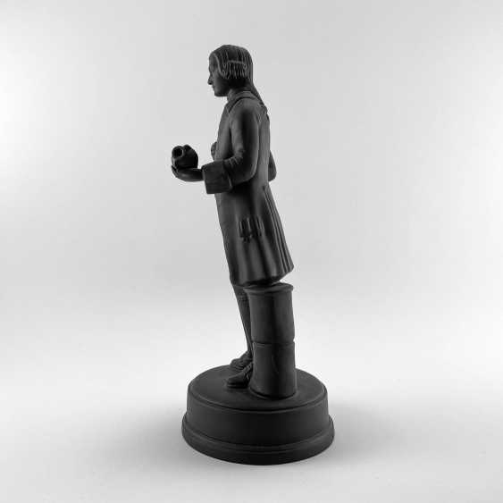Statue of the founder of Wedgwood, England, biscuit, 1929-1969 years, perfect condition - photo 2