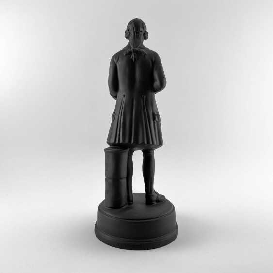 Statue of the founder of Wedgwood, England, biscuit, 1929-1969 years, perfect condition - photo 3