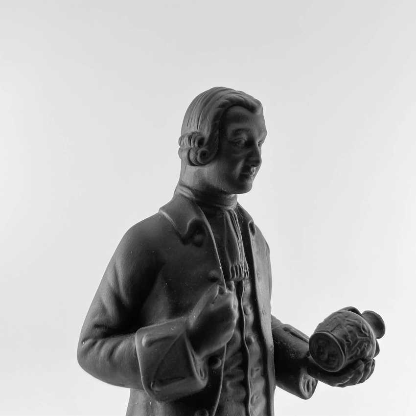 Statue of the founder of Wedgwood, England, biscuit, 1929-1969 years, perfect condition - photo 6