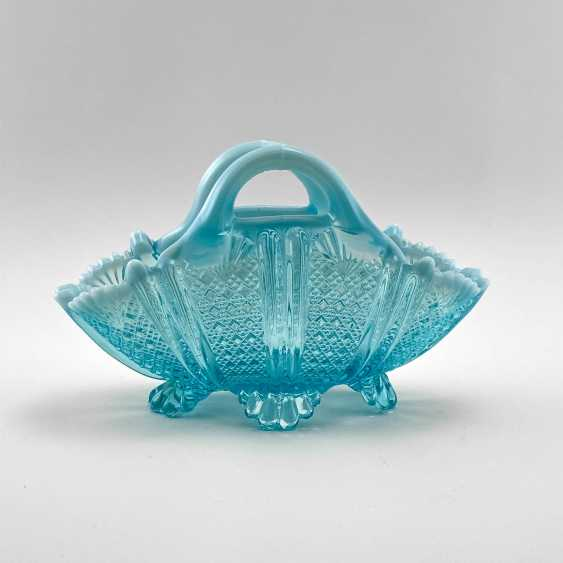 """Serving bowls of uranium glass """"Lords and Ladies"""", England, company Davidson, 19th century - photo 1"""