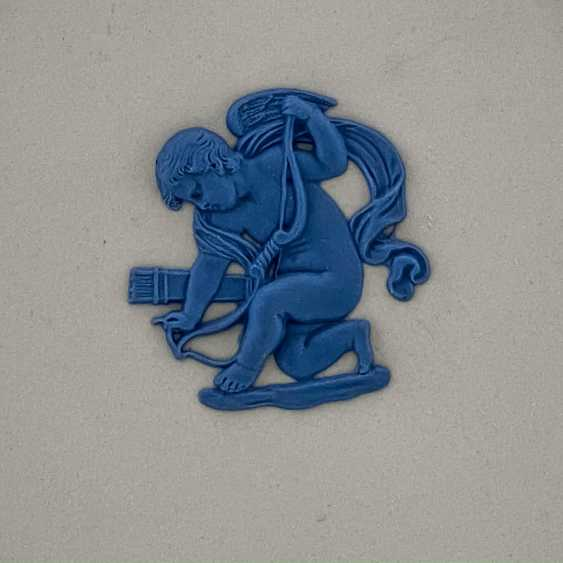 "Wedgwood Plate ""Cupid"". Neo-classicism, England, biscuit porcelain, handmade. 1974-1990. - photo 3"
