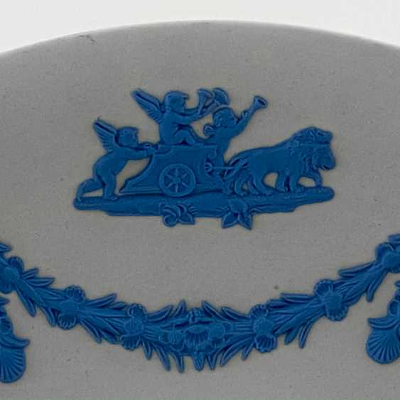 "Wedgwood Plate ""Cupid"". Neo-classicism, England, biscuit porcelain, handmade. 1974-1990. - photo 4"