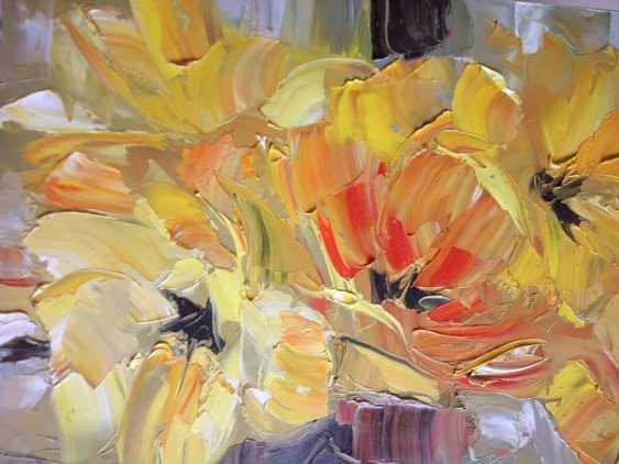 Anatolij Alekseev. yellow tulips - photo 2
