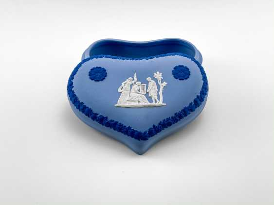 """Jewelry box Wedgwood """"Hesione"""". Neo-classicism, England, biscuit porcelain. 1974-1990 gg. - photo 2"""