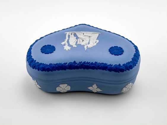 """Jewelry box Wedgwood """"Hesione"""". Neo-classicism, England, biscuit porcelain. 1974-1990 gg. - photo 3"""