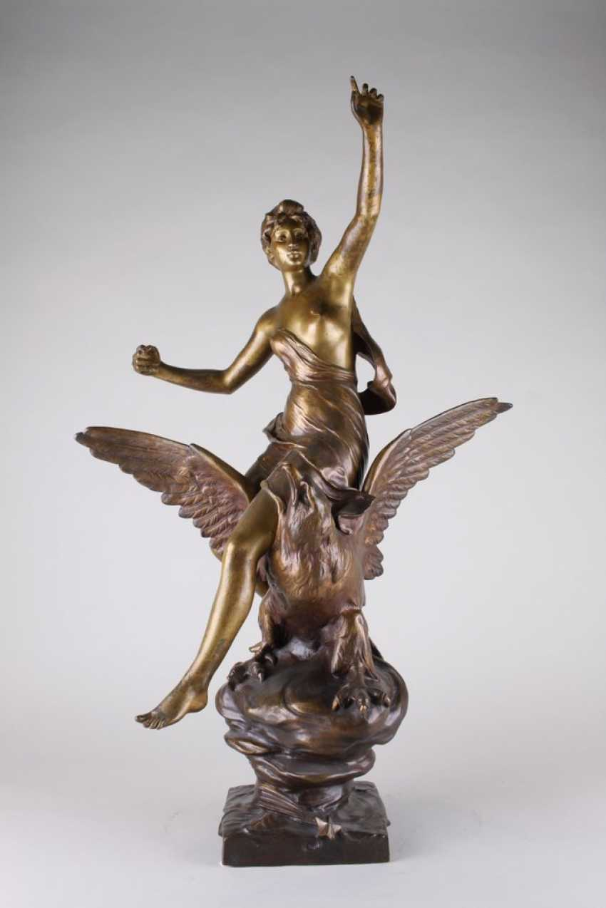 """A sculpture of """" Hebe and the eagle of Zeus."""" - photo 1"""