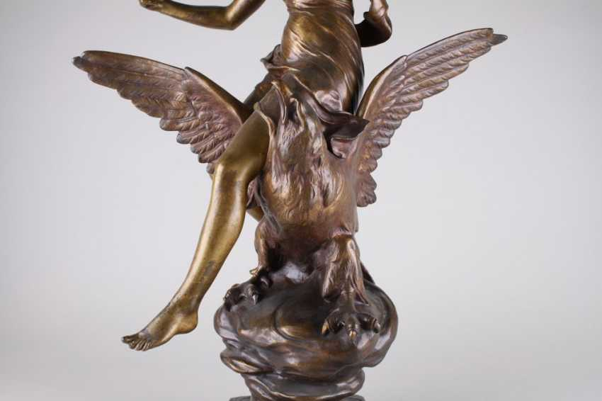 """A sculpture of """" Hebe and the eagle of Zeus."""" - photo 3"""