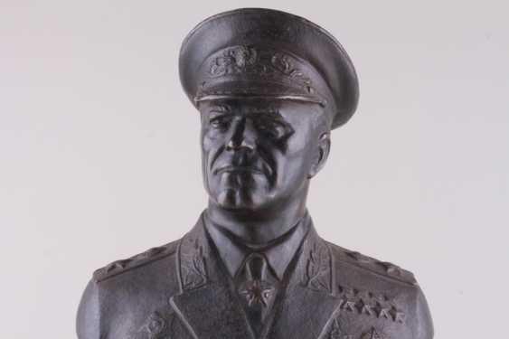 Bust Of Marshal Zhukov - photo 2