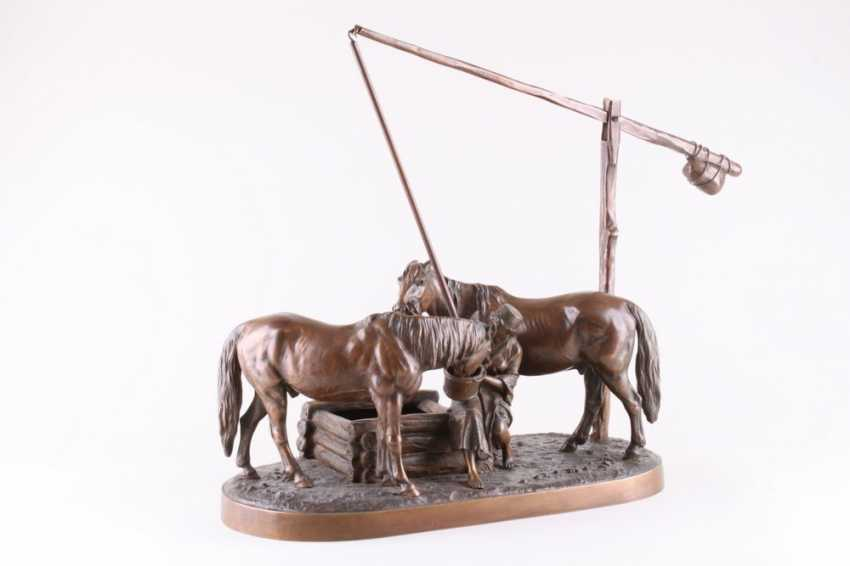 Sculpture of Cossack horses at the watering - photo 1