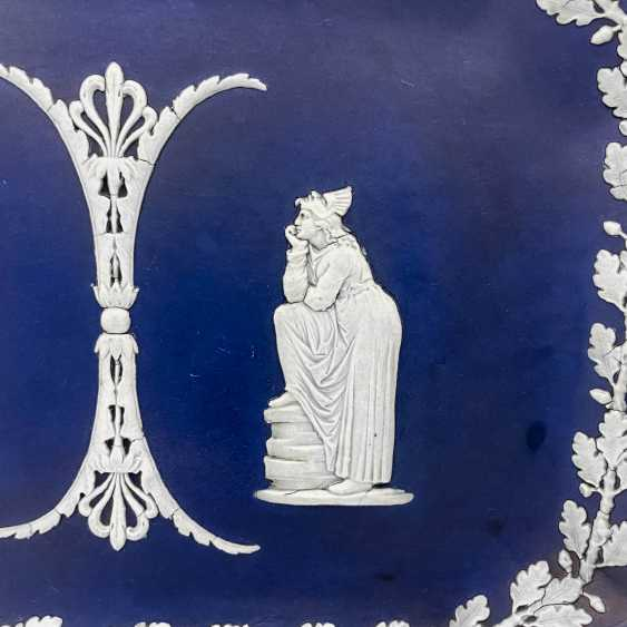 "A Tray Of Wedgwood ""Duet."" Neo-classicism, England, biscuit porcelain, handmade. 1860 - 1891 years. - photo 4"