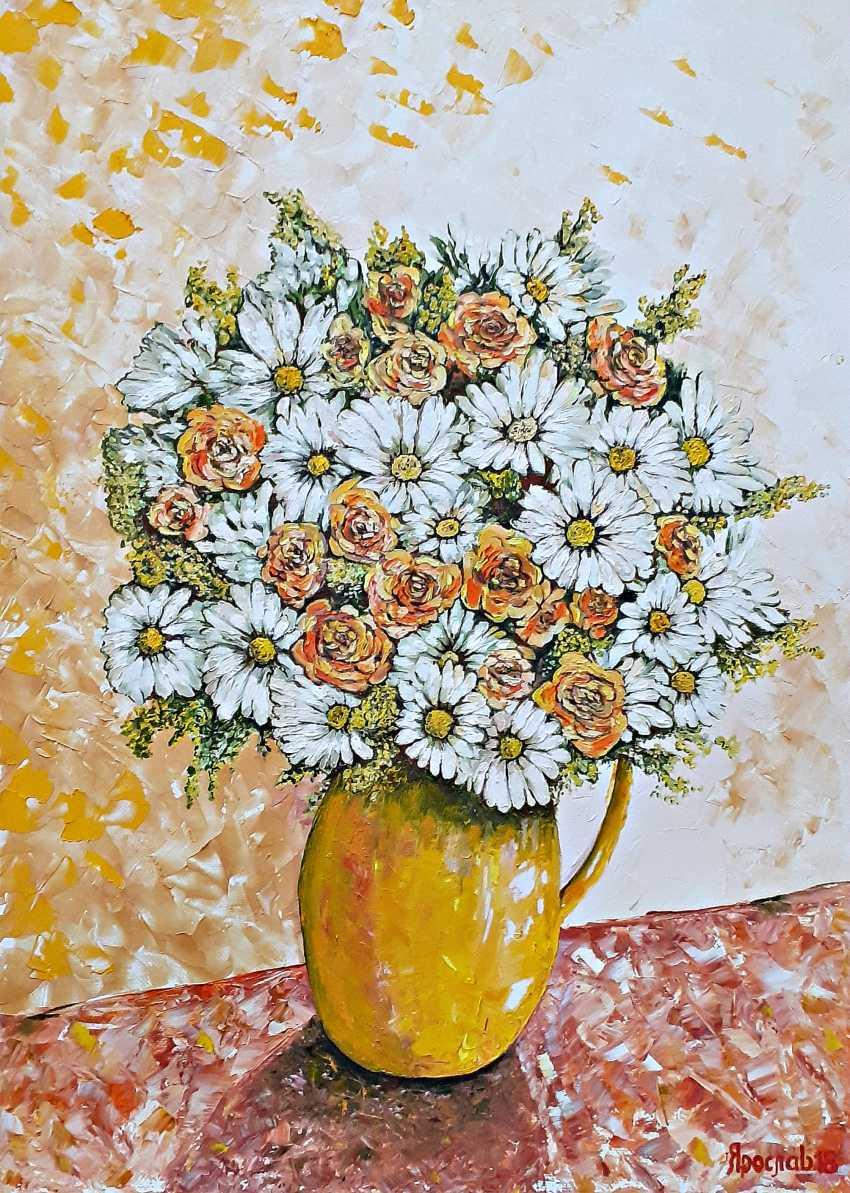 Vyacheslav IG. Garden flowers in a vase - photo 1