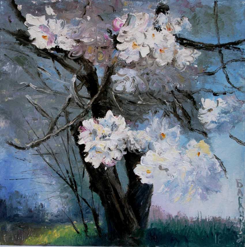Nataliia Bahatska. The tree flowering. - photo 1