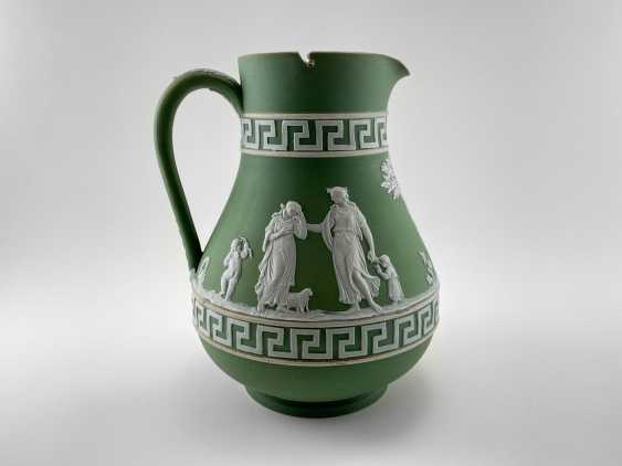 """Jug Wedgwood """"Meander"""". Neo-classicism, England, biscuit porcelain, 1860-1891 years. - photo 1"""