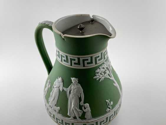 """Jug Wedgwood """"Meander"""". Neo-classicism, England, biscuit porcelain, 1860-1891 years. - photo 2"""
