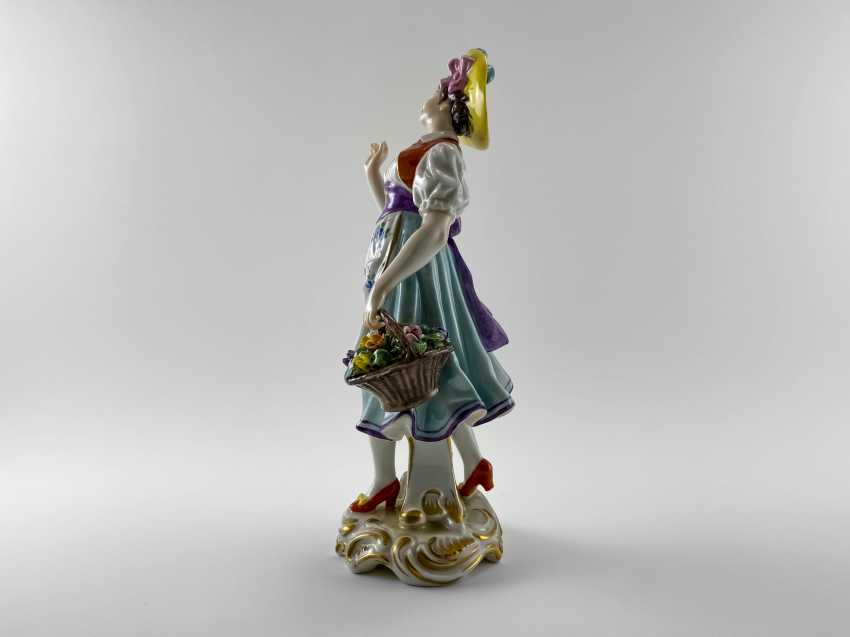 """Porcelain figurine """"Flower girl"""". Germany, Volkstedt, perfect condition, 1945 - 1951 - photo 2"""