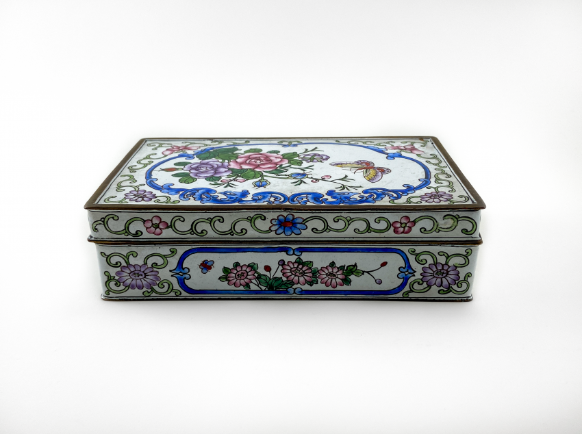"Box ""of Cubao"", painted enamel, Canton enamel, China, handmade, first half 20th century - photo 1"