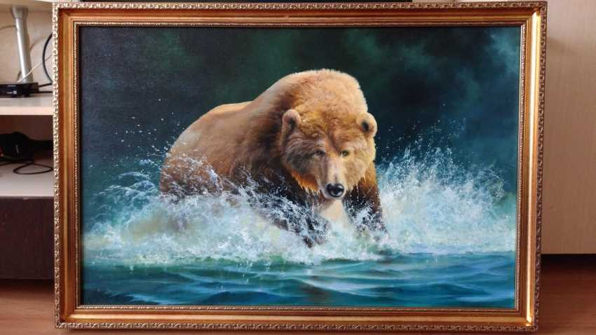 "ANDREI ANDREEV. ""Bear running through water"" - photo 1"