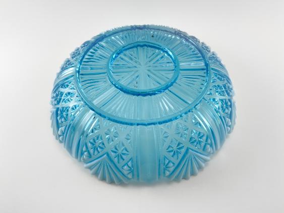 A dish of pressed colored glass, England, company Davidson, 1890. - photo 2