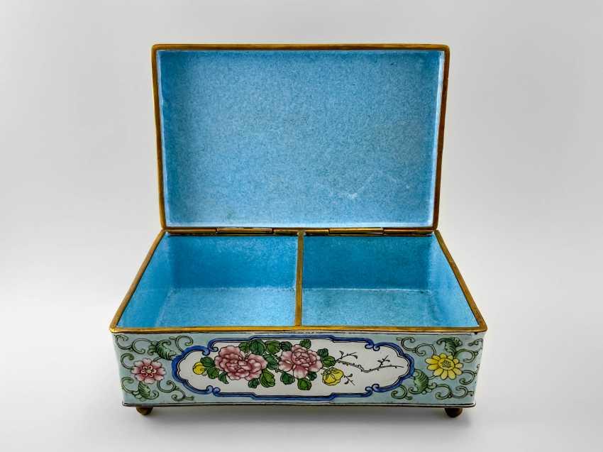 "A casket ""Guanzi"", painted enamel, Canton enamel, China, handmade, first half 20th century - photo 3"