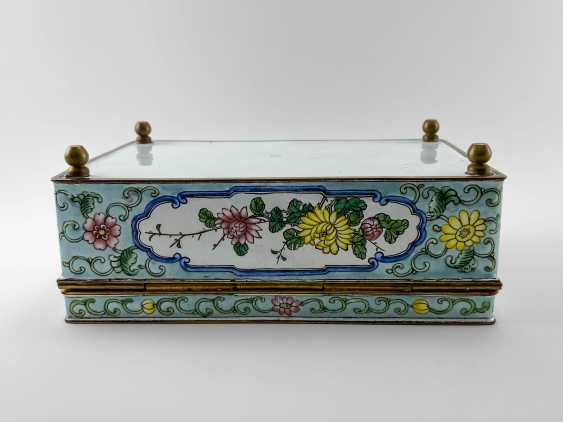 "A casket ""Guanzi"", painted enamel, Canton enamel, China, handmade, first half 20th century - photo 4"