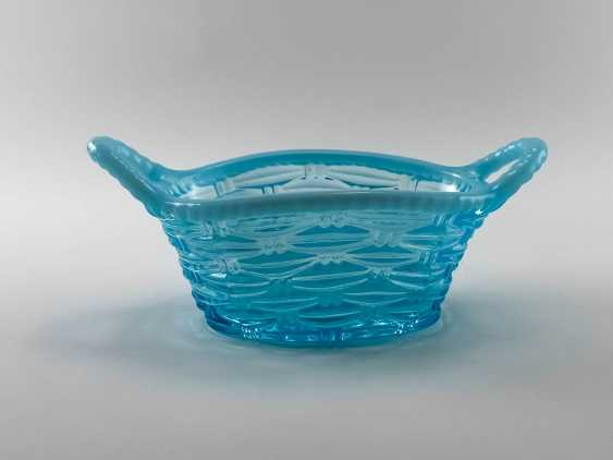 """The vase of stained glass """"Sky blue"""", England, the company is Davidson, perfect condition, 1890. - photo 1"""