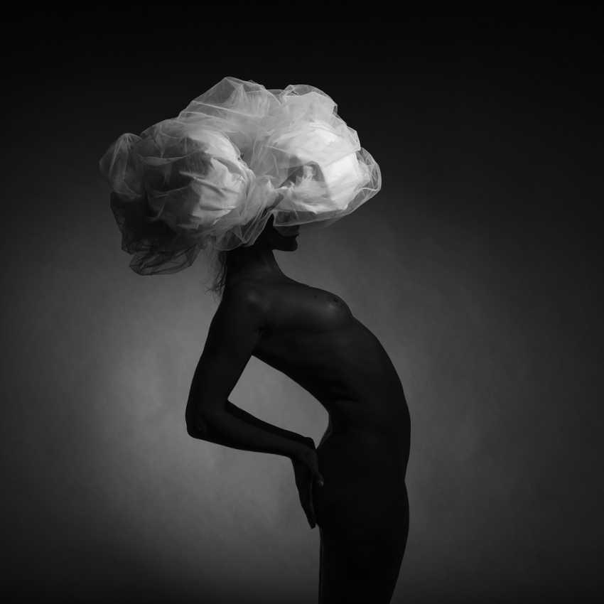 Refat Mamutov. BLACK MODEL AND BIG WHITE HAT 4. - photo 1