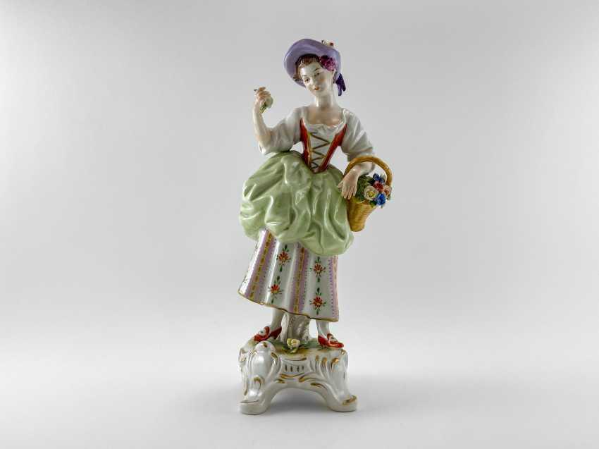 "Porcelain figurine ""Blumen"". Germany, Rudolf Kämmer, handmade, 1953-1972 - photo 1"