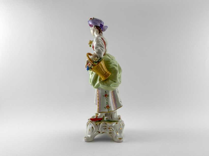 "Porcelain figurine ""Blumen"". Germany, Rudolf Kämmer, handmade, 1953-1972 - photo 2"