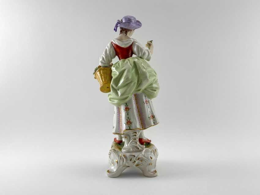 "Porcelain figurine ""Blumen"". Germany, Rudolf Kämmer, handmade, 1953-1972 - photo 3"