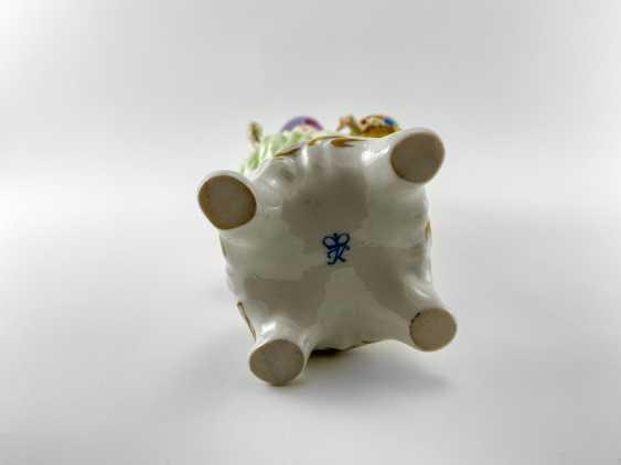 "Porcelain figurine ""Blumen"". Germany, Rudolf Kämmer, handmade, 1953-1972 - photo 7"