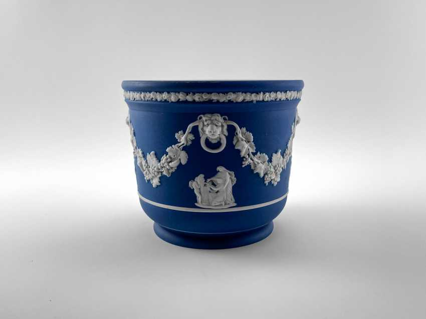 "Pots Wedgwood ""Ampelos"". Neo-classicism, England, biscuit porcelain, handmade. 1891 - 1908 - photo 1"