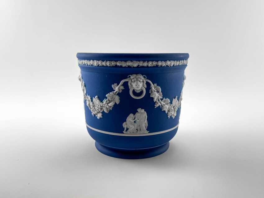 "Pots Wedgwood ""Ampelos"". Neo-classicism, England, biscuit porcelain, handmade. 1891 - 1908 - photo 2"